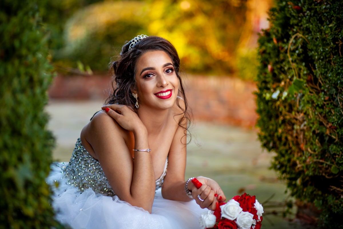 How to look your best in your wedding pictures